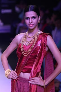 IIJW Day 1: Divyam Collection by Tanishq | Gems 2 Jewellery